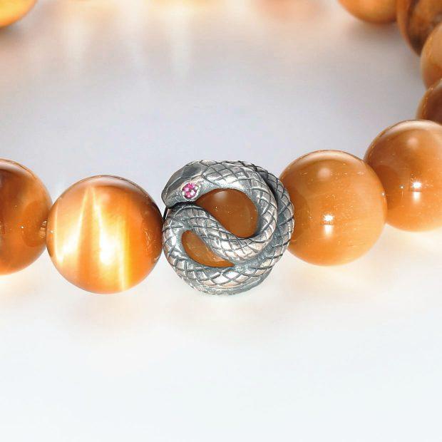 宝石ルビーを使ったヘビ・爬虫類のデザインが特徴的な銀風ブレスレットの商品写真です。型番:GP401002-01 画像その2