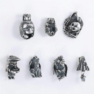 和風と開運・ラッキーとスカル・ワイルドとその他のモチーフのデザインが特徴的な銀風ネックレス/ペンダントの商品写真です。型番:GP201013-01~08 画像その7