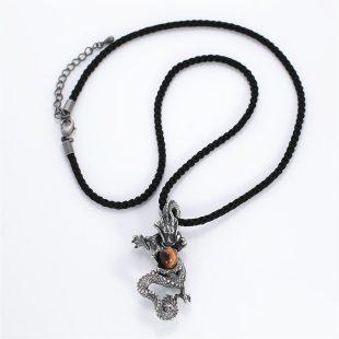 宝石ガーネットとその他の宝石を使った和風のデザインが特徴的な銀風ネックレス/ペンダントの商品写真です。型番:GP201001-01 画像その1