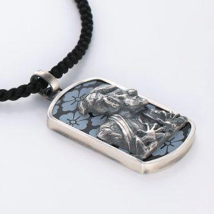 宝石オニキスを使った和風とその他のモチーフのデザインが特徴的な銀風ネックレス/ペンダントの商品写真です。型番:GP201012-01~02 画像その4