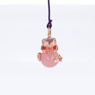 宝石キュービックとクォーツ・水晶とその他の宝石を使ったカエル・両生類と開運・ラッキーのデザインが特徴的な銀風根付・ピンズの商品写真です。型番:GP501003-01~03 画像その2