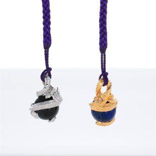 宝石ダイヤモンドとラスピラズリを使ったドラゴンのデザインが特徴的な銀風根付・ピンズの商品写真です。型番:GP501006-01~02 画像その5