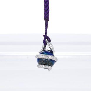 宝石クォーツ・水晶とターコイズとラスピラズリとその他の宝石を使ったヘビ・爬虫類のデザインが特徴的な銀風根付・ピンズの商品写真です。型番:GP501001-01~03 画像その3