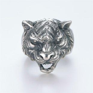 宝石ダイヤモンドを使ったアニマルのデザインが特徴的な銀風指輪の商品写真です。型番:GP101002-01 画像その1