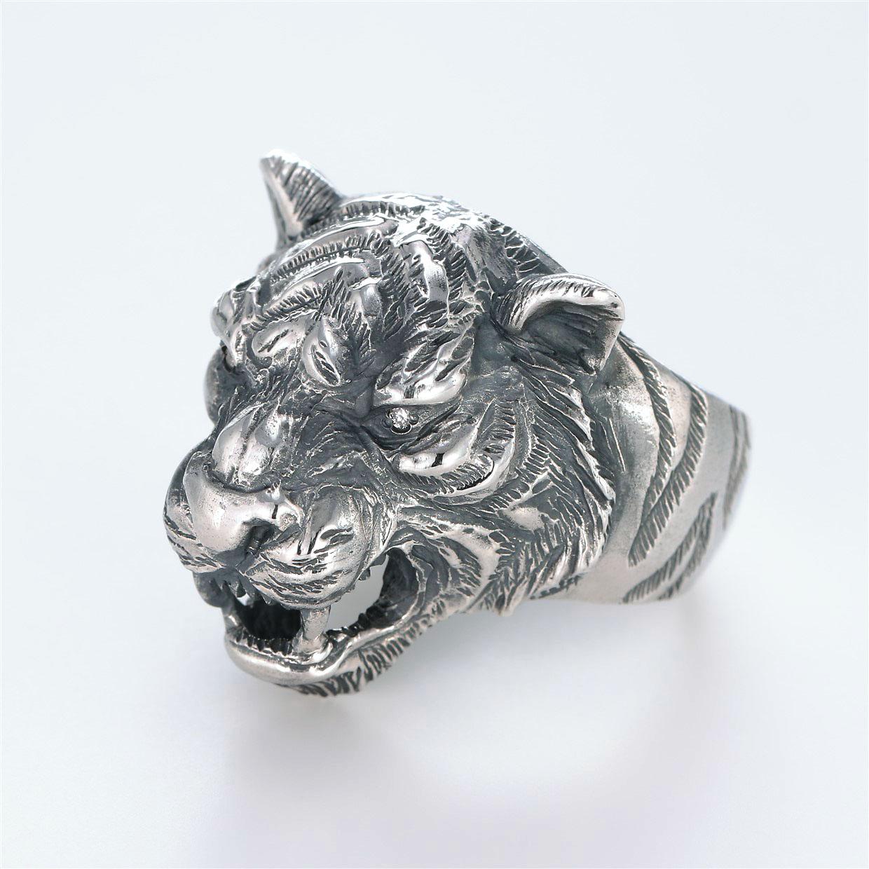 宝石ダイヤモンドを使ったアニマルのデザインが特徴的な銀風指輪の商品写真です。型番:GP101002-01 画像その2