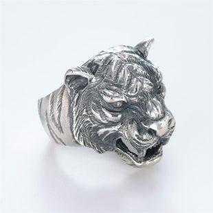 宝石ダイヤモンドを使ったアニマルのデザインが特徴的な銀風指輪の商品写真です。型番:GP101002-01 画像その3