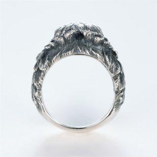 宝石ダイヤモンドを使ったその他のモチーフのデザインが特徴的な銀風指輪の商品写真です。型番:GP101007-01 画像その4