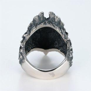 宝石ダイヤモンドを使ったその他のモチーフのデザインが特徴的な銀風指輪の商品写真です。型番:GP101007-01 画像その5