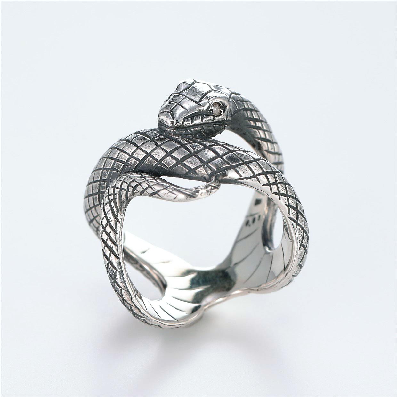 宝石ダイヤモンドを使ったヘビ・爬虫類のデザインが特徴的な銀風指輪の商品写真です。型番:GP101008-01 画像その2