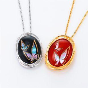 宝石クォーツ・水晶を使った蝶・昆虫と和風のデザインが特徴的な和の彩ネックレス/ペンダントの商品写真です。型番:CR201006-01~02 画像その6