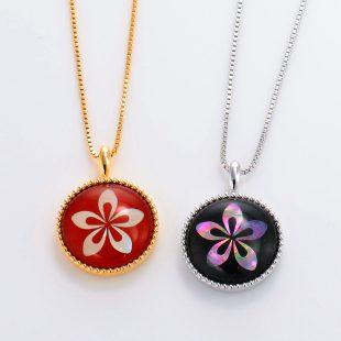 宝石クォーツ・水晶を使った花のデザインが特徴的な和の彩ネックレス/ペンダントの商品写真です。型番:CR201002-01~02 画像その6