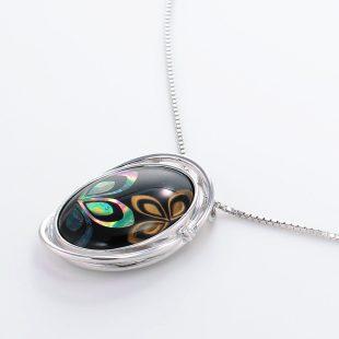 宝石クォーツ・水晶を使った花と和風のデザインが特徴的な和の彩ネックレス/ペンダントの商品写真です。型番:CR201003-01~02 画像その3