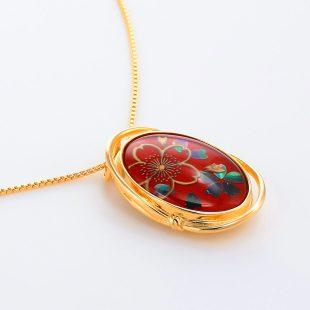 宝石クォーツ・水晶を使った花と和風のデザインが特徴的な和の彩ネックレス/ペンダントの商品写真です。型番:CR201005-01~02 画像その4