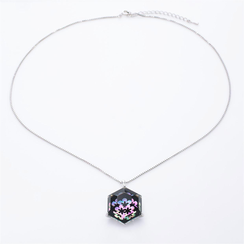宝石クォーツ・水晶を使った花と和風のデザインが特徴的な和の彩ネックレス/ペンダントの商品写真です。型番:CR201013-01~02 画像その1