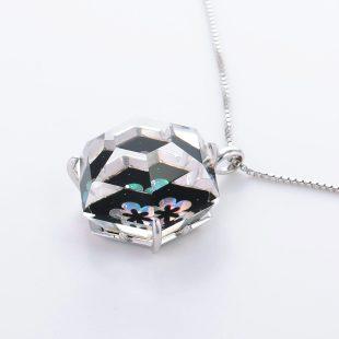 宝石クォーツ・水晶を使った花と和風のデザインが特徴的な和の彩ネックレス/ペンダントの商品写真です。型番:CR201013-01~02 画像その3