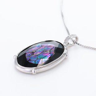 宝石クォーツ・水晶を使った和風のデザインが特徴的な和の彩ネックレス/ペンダントの商品写真です。型番:CR201008-01~02 画像その3
