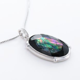 宝石クォーツ・水晶を使った和風のデザインが特徴的な和の彩ネックレス/ペンダントの商品写真です。型番:CR201008-01~02 画像その4