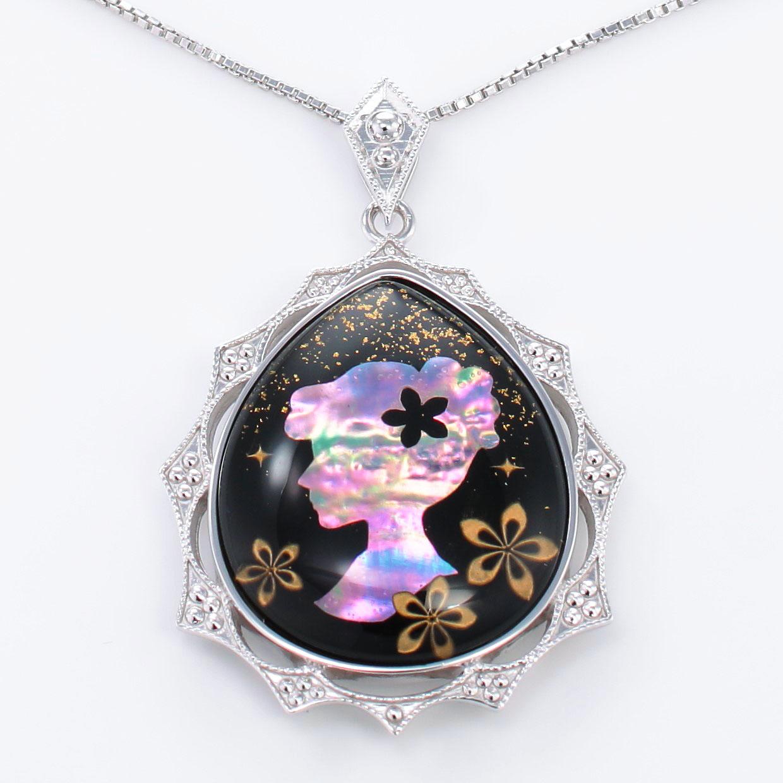 宝石クォーツ・水晶を使った和風のデザインが特徴的な和の彩ネックレス/ペンダントの商品写真です。型番:CR201009-01~02 画像その2