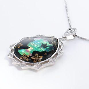 宝石クォーツ・水晶を使った和風のデザインが特徴的な和の彩ネックレス/ペンダントの商品写真です。型番:CR201009-01~02 画像その3