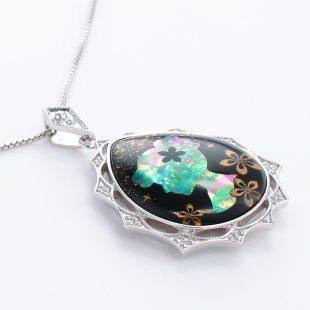 宝石クォーツ・水晶を使った和風のデザインが特徴的な和の彩ネックレス/ペンダントの商品写真です。型番:CR201009-01~02 画像その4