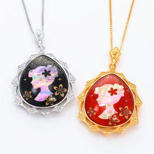 宝石クォーツ・水晶を使った和風のデザインが特徴的な和の彩ネックレス/ペンダントの商品写真です。型番:CR201009-01~02 画像その6