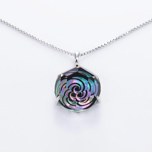 宝石クォーツ・水晶を使った和風のデザインが特徴的な和の彩ネックレス/ペンダントの商品写真です。型番:CR201011-01~02 画像その2