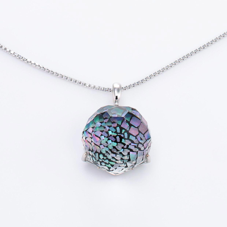 宝石クォーツ・水晶を使った和風のデザインが特徴的な和の彩ネックレス/ペンダントの商品写真です。型番:CR201014-01 画像その2