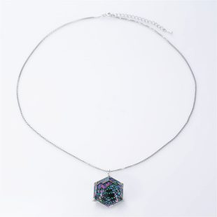 宝石クォーツ・水晶を使った和風のデザインが特徴的な和の彩ネックレス/ペンダントの商品写真です。型番:CR201015-01 画像その1