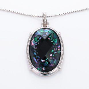 宝石クォーツ・水晶を使った和風のデザインが特徴的な和の彩ネックレス/ペンダントの商品写真です。型番:CR201016-01 画像その2