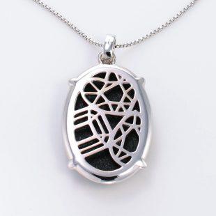 宝石クォーツ・水晶を使った和風のデザインが特徴的な和の彩ネックレス/ペンダントの商品写真です。型番:CR201016-01 画像その5