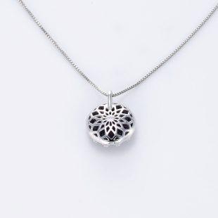 宝石クォーツ・水晶を使った和風のデザインが特徴的な和の彩ネックレス/ペンダントの商品写真です。型番:CR201019-01~05 画像その5