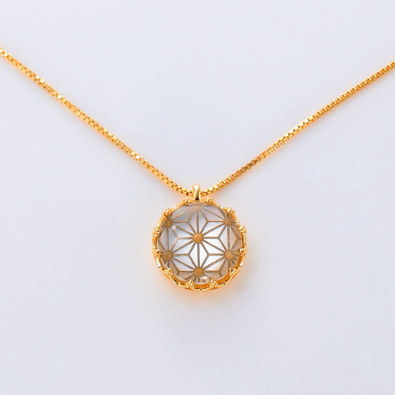 宝石クォーツ・水晶とマザーオブパール・白蝶貝を使った和風のデザインが特徴的な和の彩ネックレス/ペンダントの商品写真です。型番:CR201017-01~05 画像その2