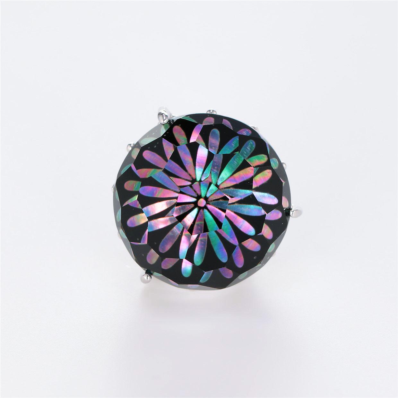 宝石クォーツ・水晶を使った花と和風のデザインが特徴的な和の彩根付・ピンズの商品写真です。型番:CR701001-01~02 画像その1