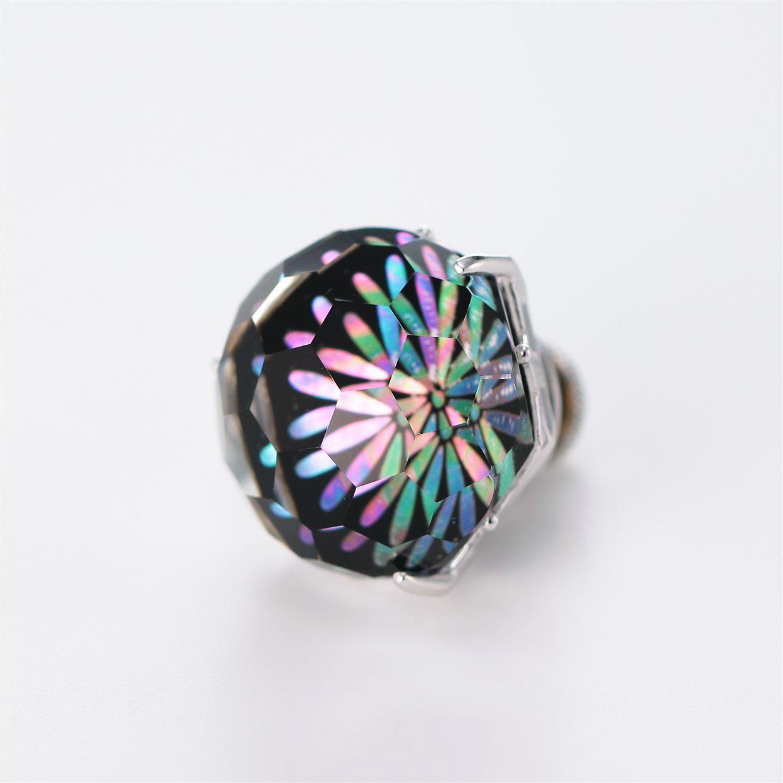 宝石クォーツ・水晶を使った花と和風のデザインが特徴的な和の彩根付・ピンズの商品写真です。型番:CR701001-01~02 画像その2