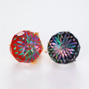 宝石クォーツ・水晶を使った花と和風のデザインが特徴的な和の彩根付・ピンズの商品写真です。型番:CR701001-01~02 画像その5