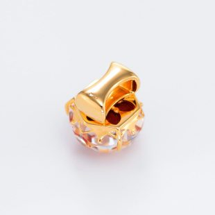 宝石クォーツ・水晶を使った花と和風のデザインが特徴的な和の彩帯留めの商品写真です。型番:CR601008-01~02 画像その4
