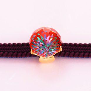 宝石クォーツ・水晶を使った花と和風のデザインが特徴的な和の彩帯留めの商品写真です。型番:CR601008-01~02 画像その5