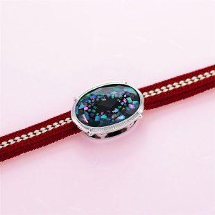 宝石クォーツ・水晶を使った和風のデザインが特徴的な和の彩帯留めの商品写真です。型番:CR601003-01 画像その5
