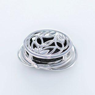 宝石クォーツ・水晶を使った和風のデザインが特徴的な和の彩帯留めの商品写真です。型番:CR601005-01~02 画像その2