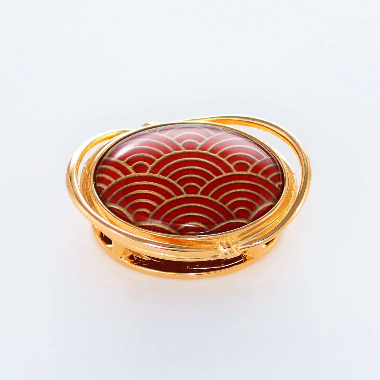 宝石クォーツ・水晶を使った和風のデザインが特徴的な和の彩帯留めの商品写真です。型番:CR601006-01~02 画像その1