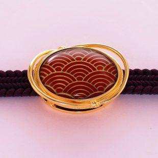 宝石クォーツ・水晶を使った和風のデザインが特徴的な和の彩帯留めの商品写真です。型番:CR601006-01~02 画像その3