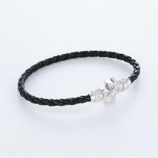 宝石キュービックを使ったクロスのデザインが特徴的な環の色ブレスレットの商品写真です。型番:LE401005-01~03 画像その3