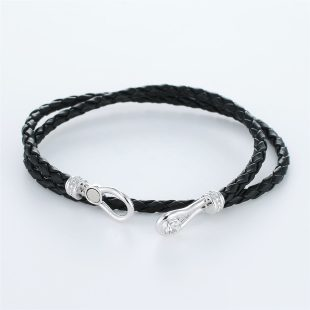 宝石キュービックを使ったその他のモチーフのデザインが特徴的な環の色ブレスレットの商品写真です。型番:LE401006-01~03 画像その4
