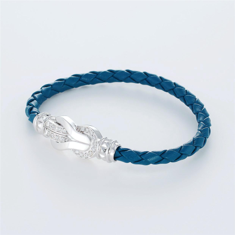 宝石キュービックを使ったその他のモチーフのデザインが特徴的な環の色ブレスレットの商品写真です。型番:LE401010-01~03 画像その2