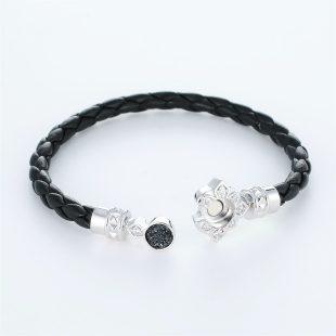 宝石クォーツ・水晶を使ったその他のモチーフのデザインが特徴的な環の色ブレスレットの商品写真です。型番:LE401009-01~03 画像その4