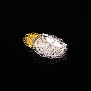 花のデザインが特徴的な和の彩 金銀糸ブローチの商品写真です。型番:659-146 画像その3