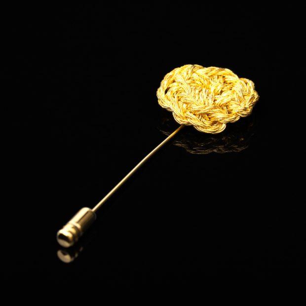 花のデザインが特徴的な和の彩 金銀糸ブローチの商品写真です。型番:659-206 画像その1