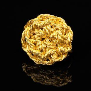 花のデザインが特徴的な和の彩 金銀糸イヤリングの商品写真です。型番:659-172 画像その2