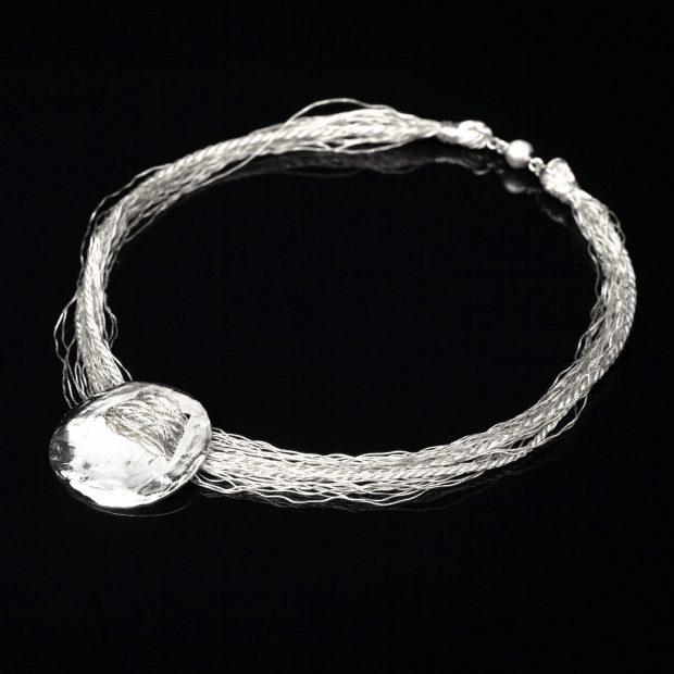和の彩 金銀糸ネックレス/ペンダントの商品写真です。型番:658-925 画像その1