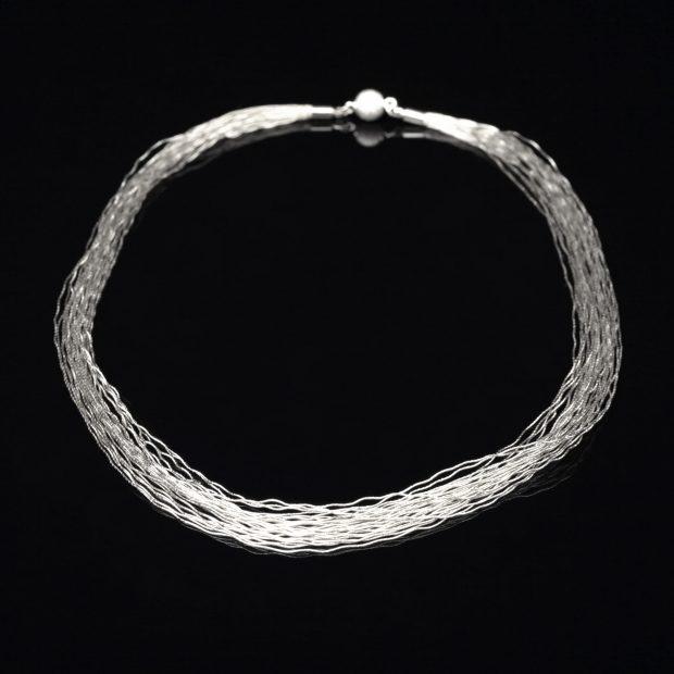 和の彩 金銀糸ネックレス/ペンダントの商品写真です。型番:658-971 画像その1